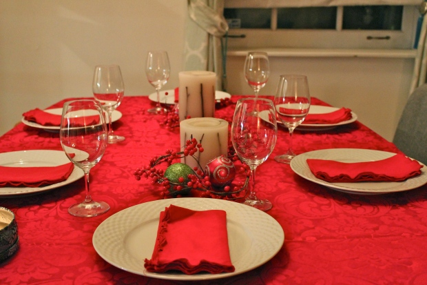 holiday dinner setup red